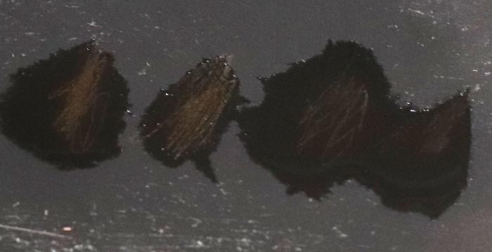 硝酸に浸した痕跡